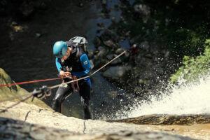 Canyoning avec Noa Guides descente de la cascade de la queue de cheval