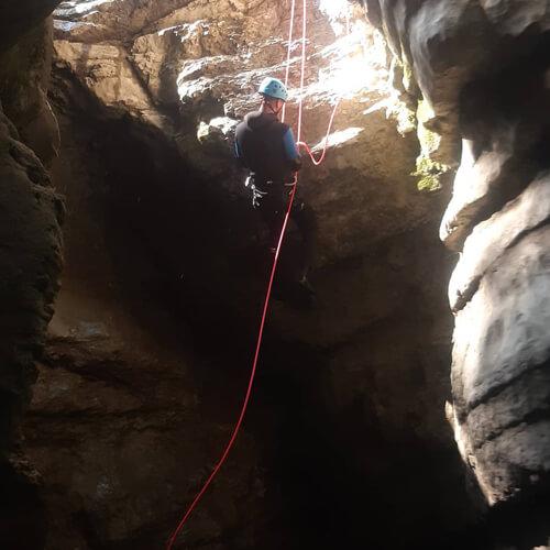 Descente en rappel canyon du Jura Noa Guides